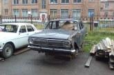 Kiev Belediyesi açıkladı, yüzlerce terk edilmiş araç sokaklarda sahibini bekliyor