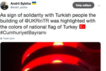 Ukrayna Büyükelçiliği'nden 29 Ekim jesti, büyükelçilik binası kırmızı – beyaz renklere büründü
