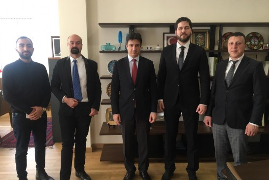 Kiev Büyükelçisi Güldere basın mensupları ile bir araya geldi, Türkiye – Ukrayna ilişkilerini değerlendirdi