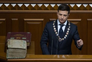 Devlet Başkanı Volodymyr Zelenski yemin ederek görevine başladı, işte ilk icraatı