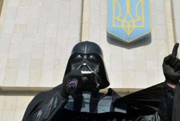 Seçim Kurulu izin verdi, Darth Vader Ukrayna seçimlerine katılıyor
