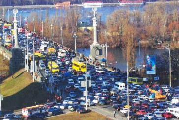 Kiev ve İstanbul trafiği en sıkışık beş Avrupa şehri arasına girdi, işte sürücülerin trafikte geçirdiği süreler