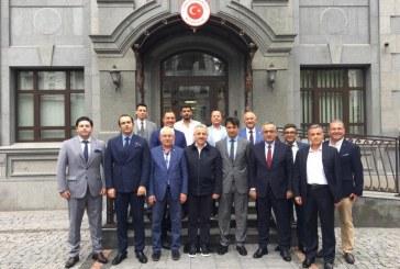 Kiev'de temaslarda bulunan Yüksek Seçim Kurulu Başkanı Sadi Güven, Türk iş dünyasının temsilcileri ile bir araya geldi