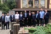 Dnipro'yu ziyaret eden Büyükelçi Güldere, Türk işadamları ve yerel yöneticilerle bir araya geldi