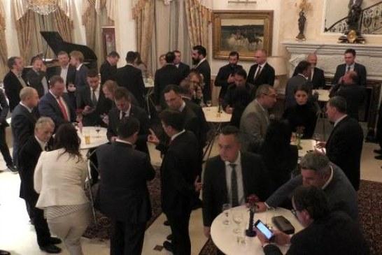 Büyükelçi güldere: savunma sanayi sektörümüzle iftihar ediyoruz