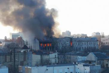 Odesa'da can pazarı, dev binadaki yangın sürüyor