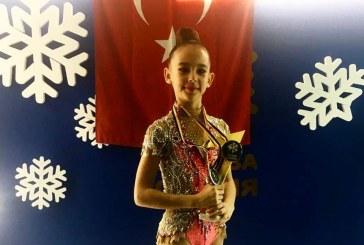 7. sınıf öğrencisi Ada Özdirek'e Kiev'deki yarışmada ödül