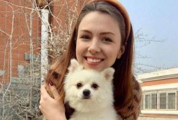 Ukrayna Çin'de kalan Anastasiya'yı konuşuyor, köpeğini almayan kurtarma uçağına binmeyi reddetti